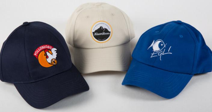 Caps besticken